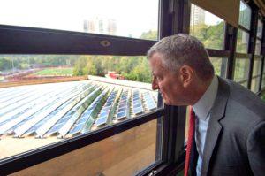 bill-de-blasio-solar-panels-728x484